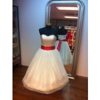 svadobné retro šaty smotanové